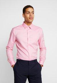 OLYMP - OLYMP NO.6 SUPER SLIM FIT  - Formální košile - rose - 0