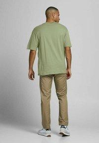 Jack & Jones - JORBRINK TEE CREW NECK - Basic T-shirt - sea spray - 2