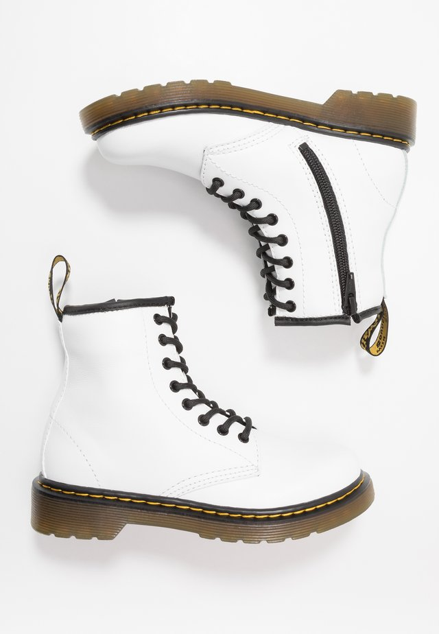 1460 ROMARIO - Šněrovací kotníkové boty - white