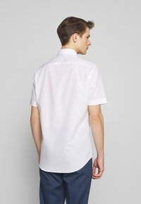 Tommy Hilfiger Tailored - CLASSIC - Formal shirt - white - 2