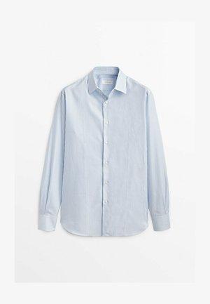 OXFORDHEMD IM SLIM-FIT - Shirt - light blue