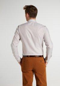 Eterna - SLIM FIT - Shirt - beige weiss - 1