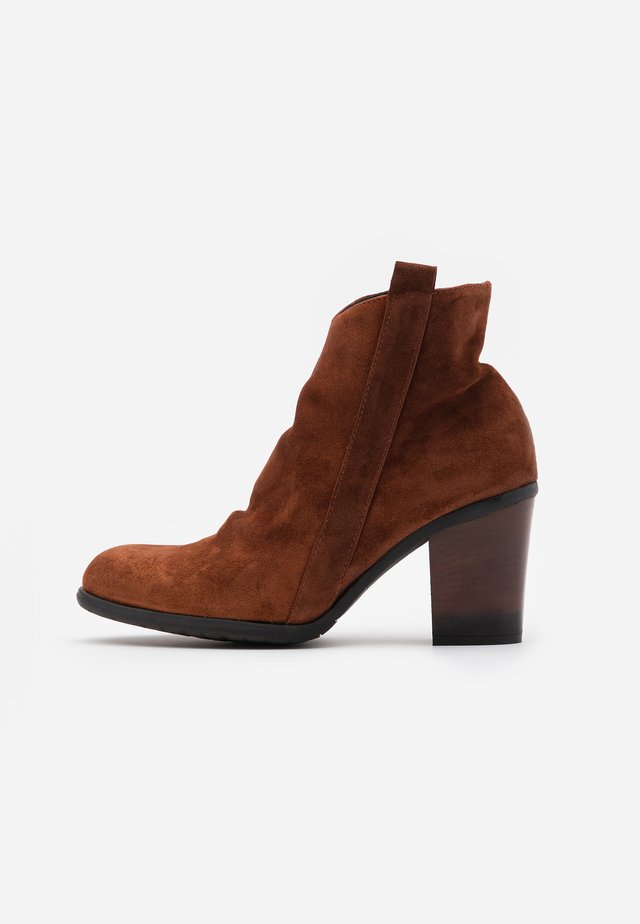 Ankle boot - coroil almond
