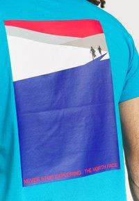 The North Face - FOUNDATION GRAPHIC TEE - Camiseta estampada - meridian blue - 4