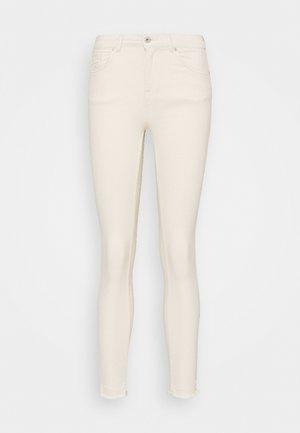ONLBLUSH RAW - Skinny džíny - ecru