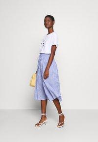 Rich & Royal - MIDI SKIRT STRIPED - A-line skirt - deep indigo - 1