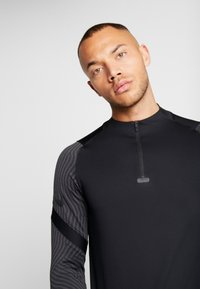 Nike Performance - DRY STRIKE DRILL - Sports shirt - black/anthracite - 3