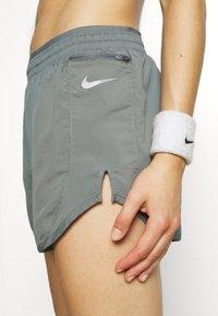 Nike Performance - Sports shorts - smoke grey/smoke grey/silver - 5