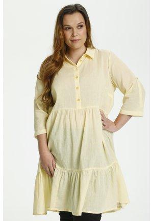 VELLO - Sukienka koszulowa - golden haze