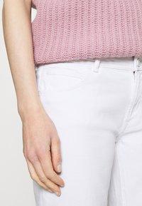 Marc O'Polo DENIM - ALVA - Jeans Tapered Fit - bright white - 4