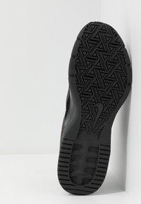 Nike Performance - AIR MAX ALPHA TRAINER 3 - Sportovní boty - black/anthracite - 4