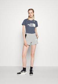 The North Face - EASY TEE - T-shirt con stampa - vintage indigo - 1