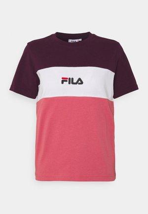 ANOKIA BLOCKED TEE - T-shirt z nadrukiem - baroque rose/winter bloom/bright white