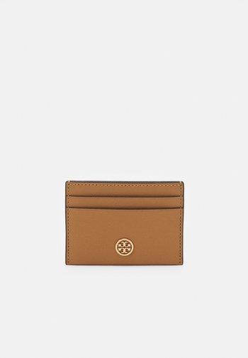 ROBINSON CARD CASE - Wallet - cardamom