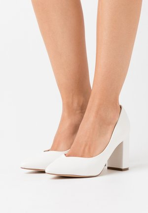 WIDE FIT WILDROSE - Zapatos altos - white