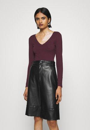 Long sleeved top - dark burgundy