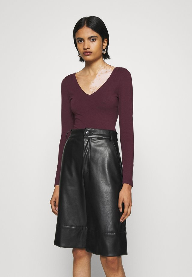Long sleeved top - dark burgundy