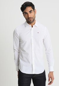 Tommy Jeans - ORIGINAL STRETCH SLIM FIT - Shirt - classic white - 0