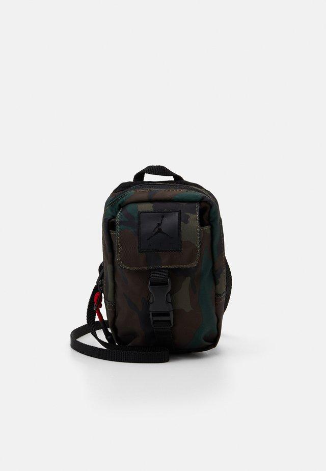 JUMPMAN AIR POUCH - Bum bag - camo