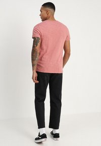 Obey Clothing - HARDWORK - Džíny Relaxed Fit - dusty black - 2