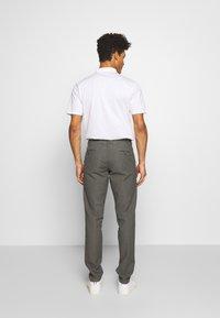 DRYKORN - MAD - Trousers - grau - 2