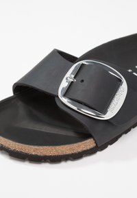 Birkenstock - MADRID BIG BUCKLE - Chaussons - black - 5