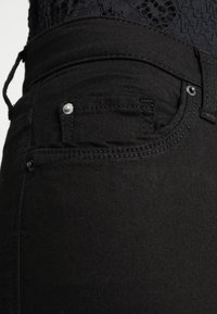 Esprit - Slim fit jeans - black - 3