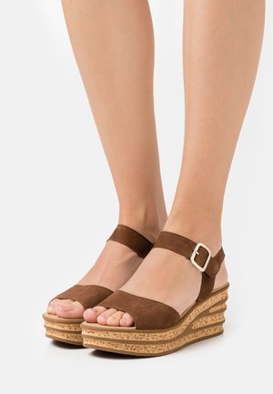 Platform sandals - new whisky