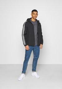 adidas Originals - 3D TREFOIL  UNISEX - Veste légère - black/white - 1