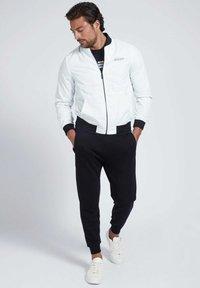Guess - Light jacket - weiß - 1