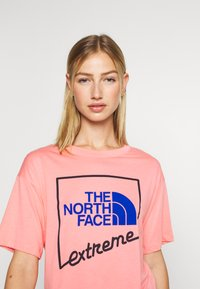 The North Face - EXTREME CROP TEE - Print T-shirt - miami pink - 3