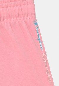 Champion - COLOR LOGO UNISEX - Sports shorts - pink - 2