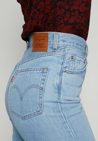 Levi's® - HIGH LOOSE - Jeansy Dzwony - full circle - 5