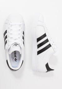 adidas Originals - COAST STAR - Sneakers laag - footwear white/core black - 1