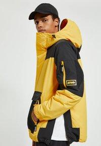 PULL&BEAR - Winter jacket - yellow - 3