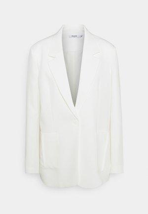 OVERSIZED BOXY - Short coat - white