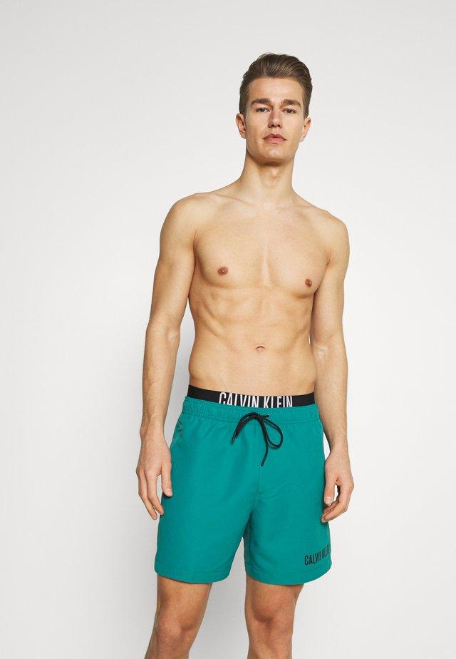 INTENSE POWER MEDIUM DOUBLE - Shorts da mare - green