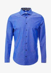 SLIM FIT SPREAD KENT PATCH - Camisa elegante - dark blue