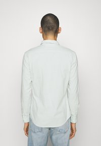 Levi's® - BATTERY SLIM - Shirt - greys - 2