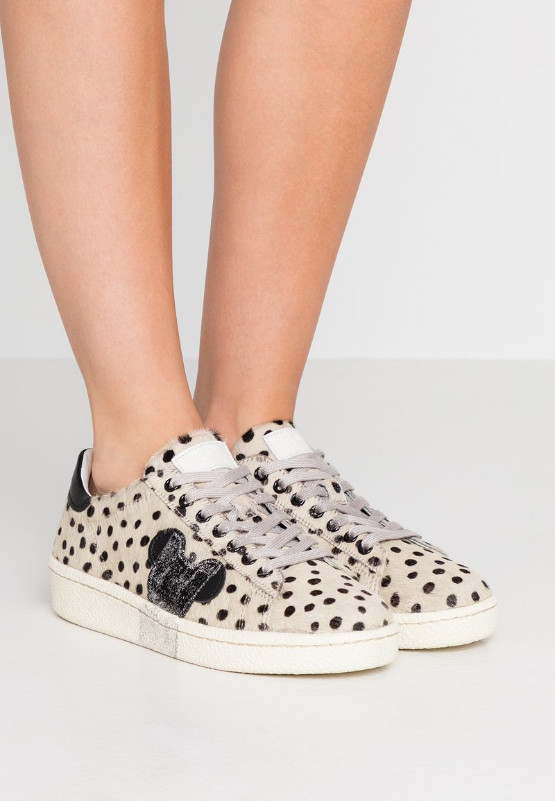 MOA - Master of Arts - Trainers - pois/silver glitter