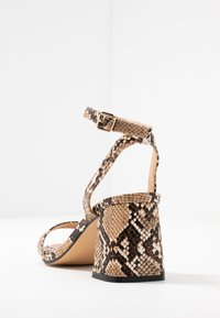 Office Wide Fit - MILLIONS WIDE FIT - Sandals - brown - 5
