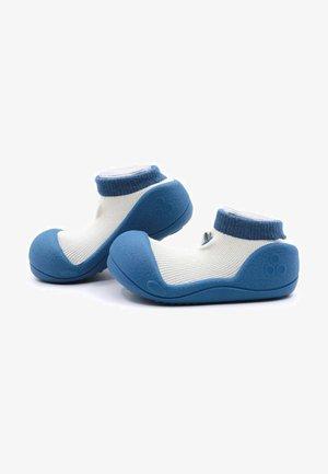 PRIMEROS PASOS FRUIT - Patucos - azul