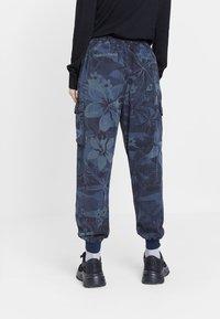 Desigual - MALALA - Pantalon de survêtement - blue - 2