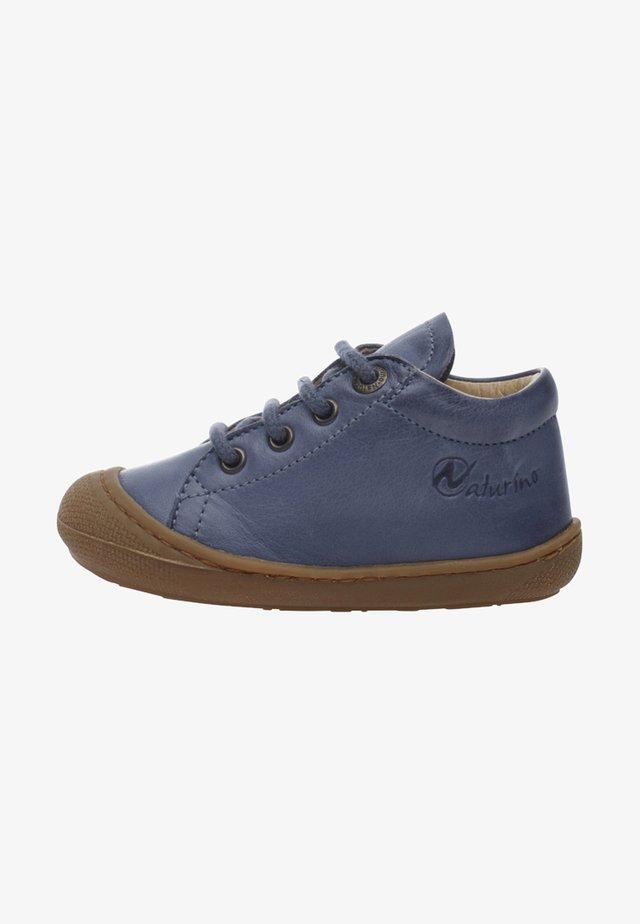 COCOON - Chaussures premiers pas - azurblau