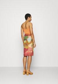 Farm Rio - BEACH DESIRE WRAP SKIRT - Pencil skirt - multi - 2