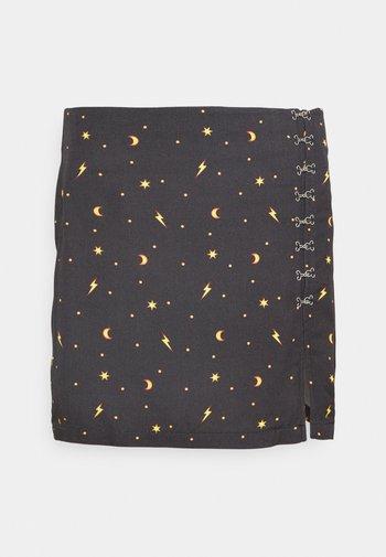 MYSTICAL SKIRT THIGH SPLIT & HOOK & EYE DETAILING  - Mini skirt - black