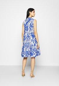 Emily van den Bergh - Day dress - white/blue - 2