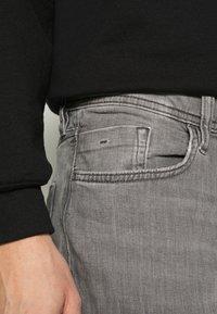 edc by Esprit - Jeans straight leg - grey medium wash - 3