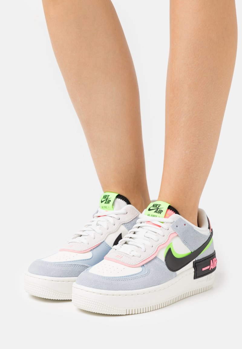 Nike Sportswear - AIR FORCE 1 SHADOW - Sneakersy niskie - sail/black/sunset pulse/light armory blue/electric green