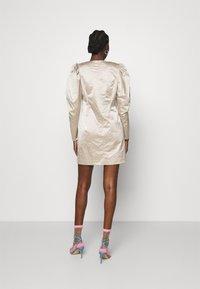 Cras - SPACECRAS DRESS - Sukienka koktajlowa - silver - 2